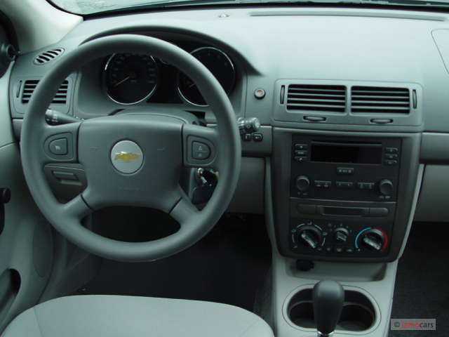 Image: 2006 Chevrolet Cobalt 4-door Sedan LS Dashboard ...
