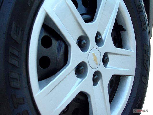 Image: 2006 Chevrolet Equinox 4-door 2WD LS Wheel Cap ...