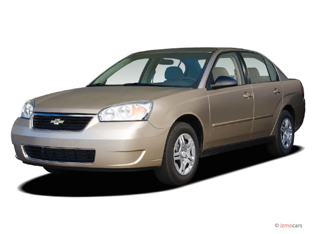 2006 Chevrolet Malibu 4-door Sedan LS w/1LS Angular Front Exterior View