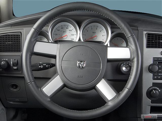 image 2006 dodge charger 4 door sedan rwd steering wheel. Black Bedroom Furniture Sets. Home Design Ideas