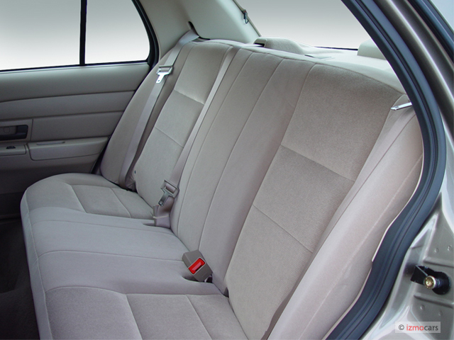 image 2006 ford crown victoria 4 door sedan standard rear. Black Bedroom Furniture Sets. Home Design Ideas