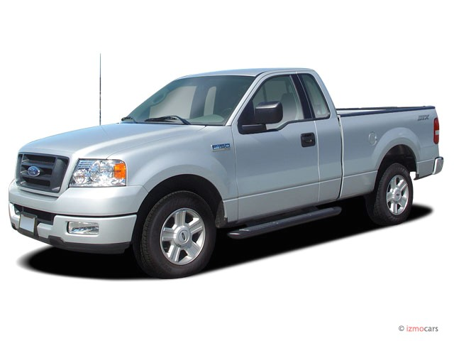 "2006 Ford F-150 Reg Cab 126"" STX Angular Front Exterior View"