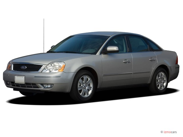 2006 Ford Five Hundred 4-door Sedan SEL Angular Front Exterior View
