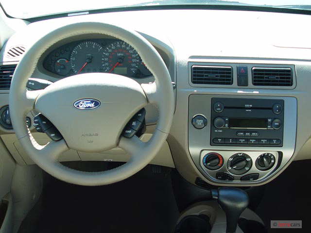Image 2006 ford focus 4 door wagon zxw ses dashboard for Ford focus 2006 interieur