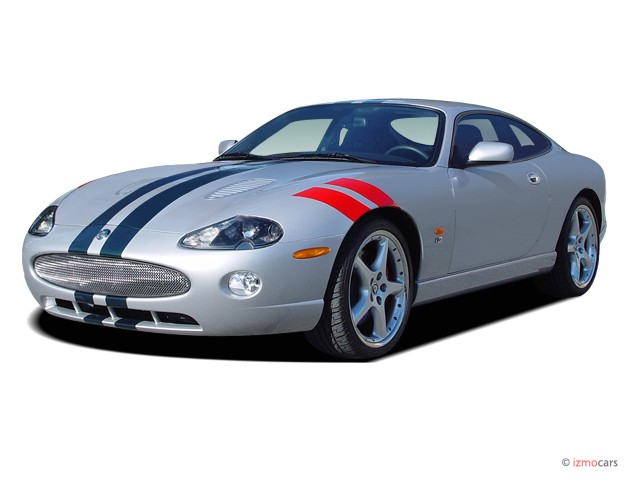 2006 Jaguar XK8 2-door Coupe XKR Angular Front Exterior View