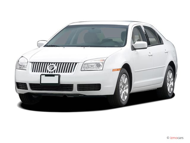 2006 Mercury Milan 4-door Sedan 3.0 Angular Front Exterior View