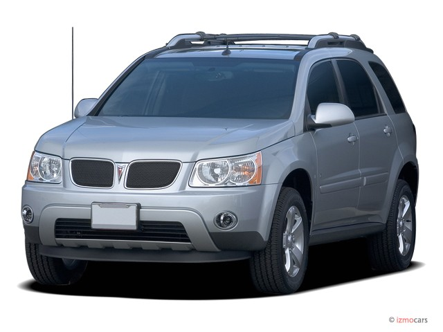 2006 Pontiac Torrent 4-door FWD Angular Front Exterior View