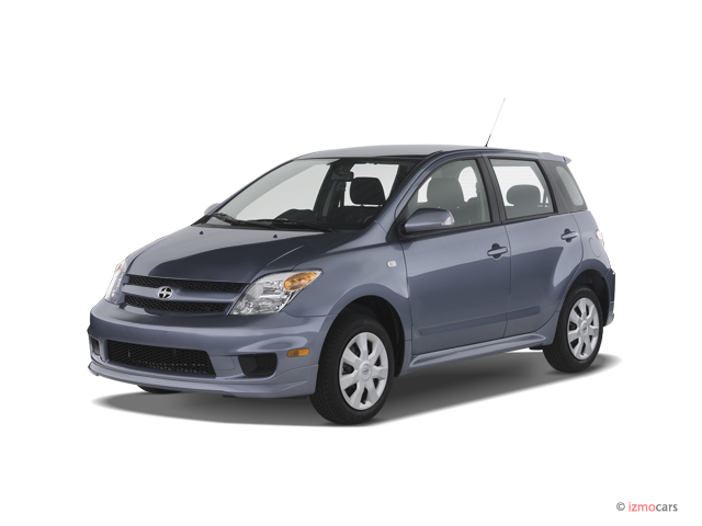 2006 Scion xA 4-door HB Manual (Natl) Angular Front Exterior View