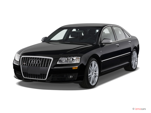 2007 Audi S8 4-door Sedan Angular Front Exterior View