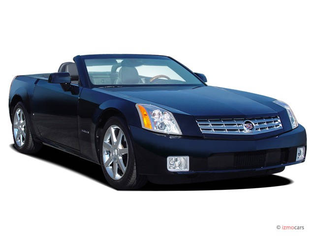 2007 Cadillac XLR 2-door Convertible Angular Front Exterior View