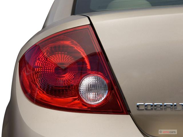 Image: 2007 Chevrolet Cobalt 4-door Sedan LS Tail Light ...