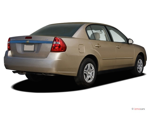 2007 Chevrolet Malibu 4-door Sedan LS w/1LS Angular Rear Exterior View