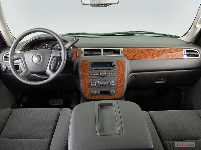 suburban 2007 chevrolet lt dashboard 1500 door 2wd interior 2009