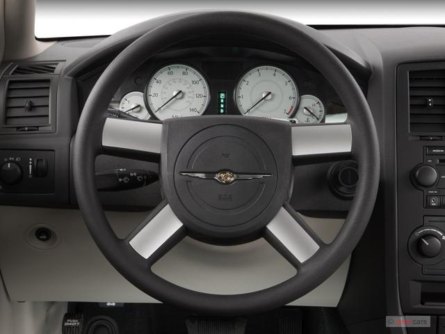 image 2007 chrysler 300 series 4 door sedan 300 rwd steering wheel size 640 x 480 type gif. Black Bedroom Furniture Sets. Home Design Ideas