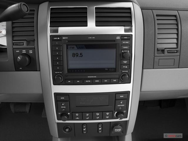 Image: 2007 Dodge Durango 4WD 4-door Limited Instrument ...
