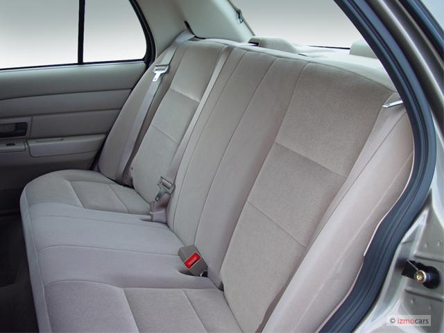 image 2007 ford crown victoria 4 door sedan standard rear. Black Bedroom Furniture Sets. Home Design Ideas