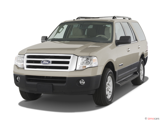 2007 Ford Expedition 2WD 4-door XLT Angular Front Exterior View