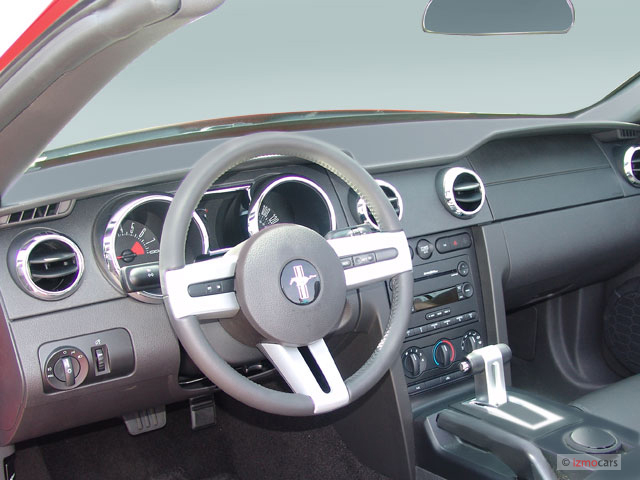 Image 2007 Ford Mustang 2 Door Convertible Gt Premium Dashboard Size 640 X 480 Type Gif