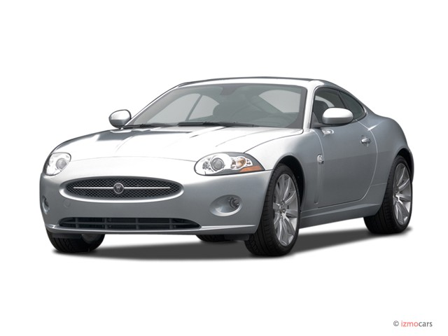 2007 Jaguar XK 2-door Coupe Angular Front Exterior View