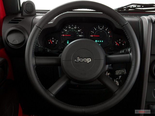 Image: 2007 Jeep Wrangler 4WD 2-door X Steering Wheel ...