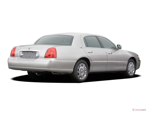 image 2007 lincoln town car 4 door sedan signature limited angular rear exterior view size. Black Bedroom Furniture Sets. Home Design Ideas