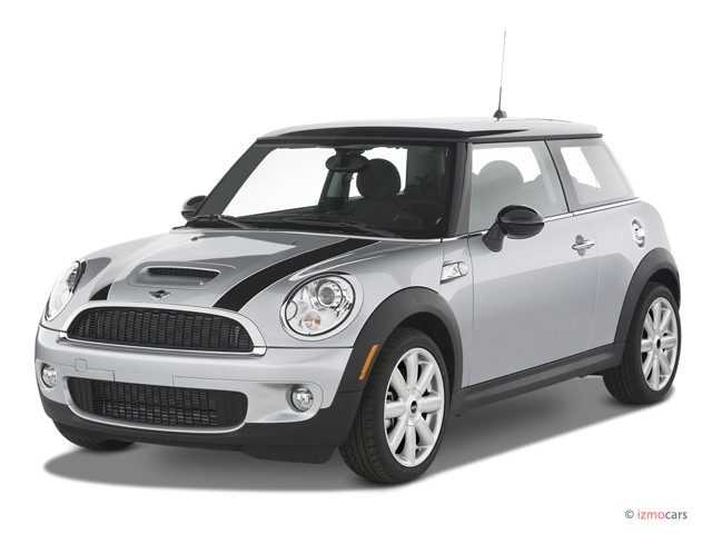 2007 MINI Cooper Hardtop 2 Door Coupe S Angular Front Exterior View