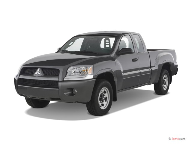 2007 Mitsubishi Raider 2WD Double Cab V6 Auto LS Angular Front Exterior View