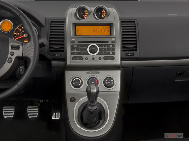 image 2007 nissan sentra 4 door sedan manual se r spec v instrument panel size 640 x 480. Black Bedroom Furniture Sets. Home Design Ideas