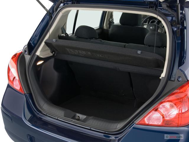 Image: 2007 Nissan Versa 5dr HB Auto S Trunk, size: 640 x ...