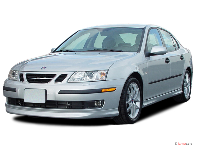 2007 Saab 9-3 4-door Sedan Angular Front Exterior View