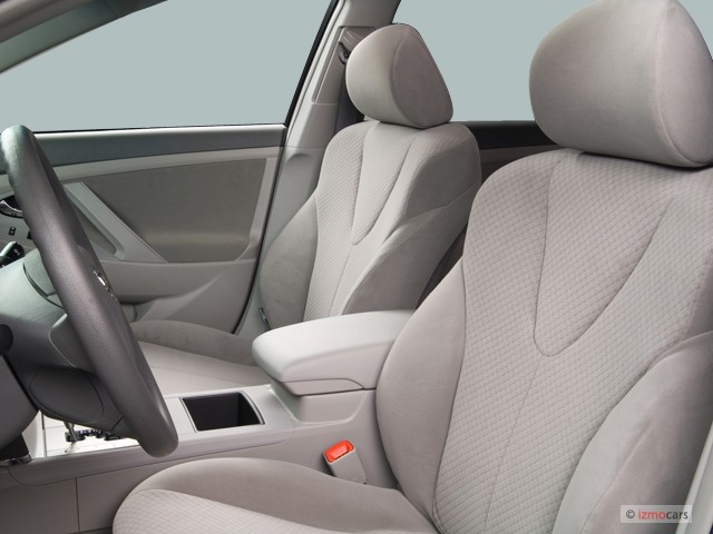 Image: 2007 Toyota Camry 4-door Sedan I4 Auto LE (Natl ...