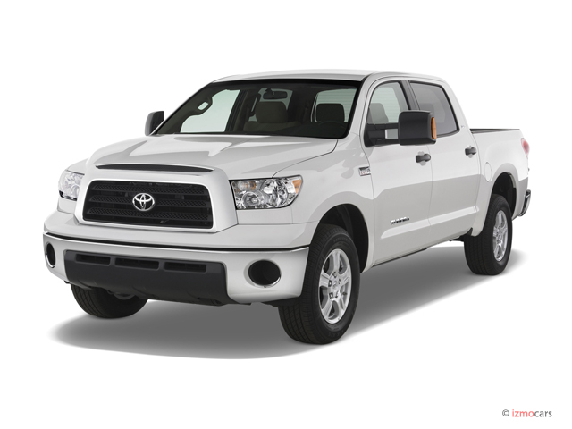 Angular Front Exterior View - 2007 Toyota Tundra 2WD CrewMax 145.7