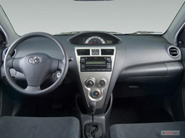2007 Toyota Yaris 4 Door Sedan Auto Base Natl Dashboard