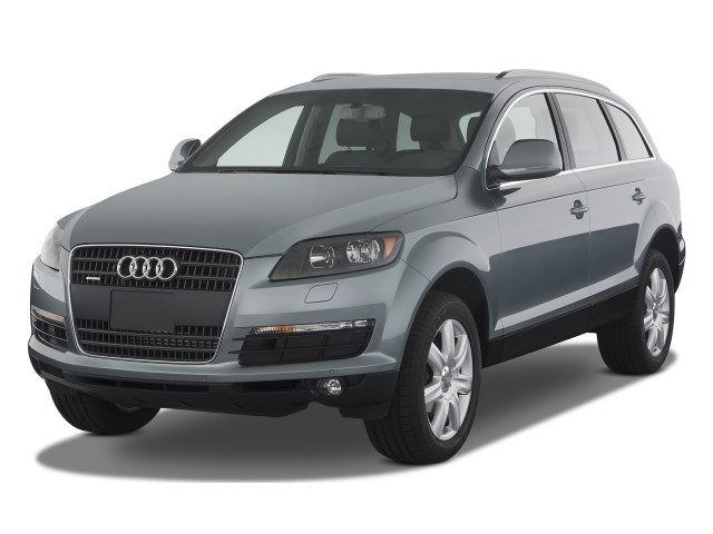 2008 Audi Q7 quattro 4-door 3.6L Premium Angular Front Exterior View