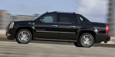 According To Edmunds Cadillac S 2008 Escalade Ext Five Penger Cabin Has An Elegant Upscale Ambiance Thanks The Use Of Finely Sched Leather And