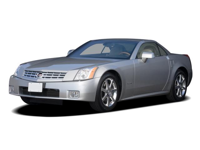 2008 Cadillac XLR 2-door Convertible Angular Front Exterior View