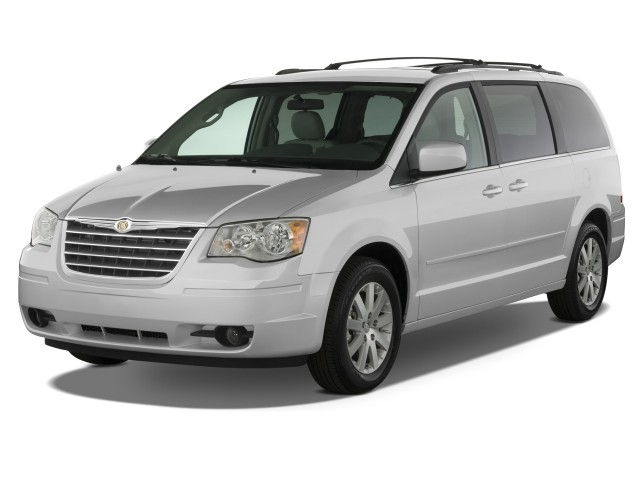 2008 Chrysler Town Country 4 Door Wagon Touring Angular Front Exterior View