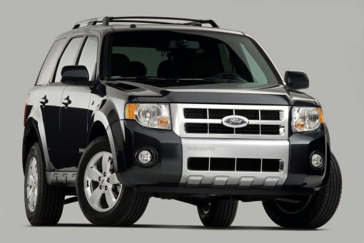 2008 Ford Escape breaks loose
