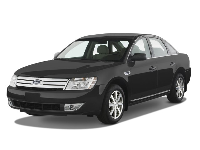2008 Ford Taurus 4-door Sedan SEL FWD Angular Front Exterior View