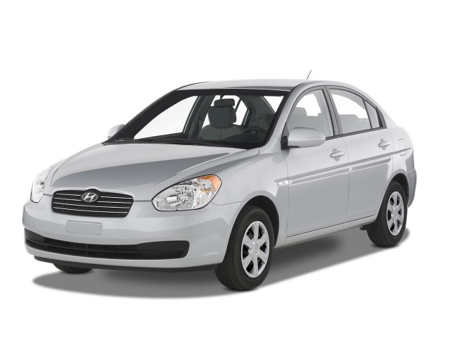 Angular Front Exterior View - 2008 Hyundai Accent 4-door Sedan Auto GLS