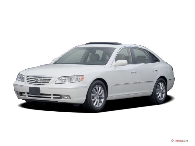 2008 Hyundai Azera 4-door Sedan Limited Angular Front Exterior View