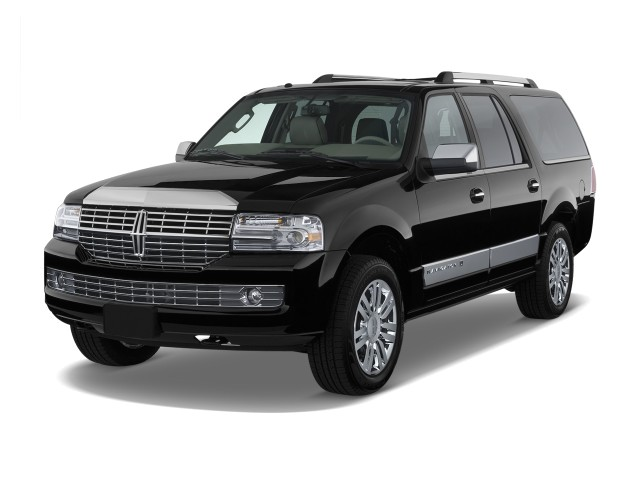 2008 Lincoln Navigator L 4WD 4-door Angular Front Exterior View