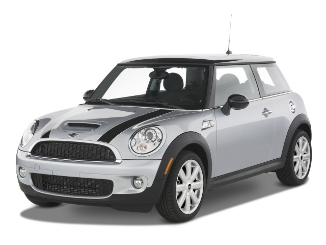 2008 MINI Cooper Hardtop 2-door Coupe S Angular Front Exterior View