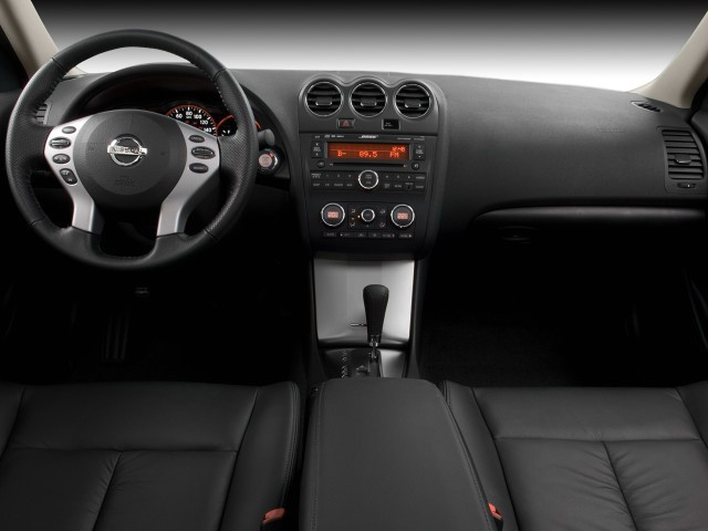 Image: 2008 Nissan Altima 4-door Sedan I4 Man Dashboard ...