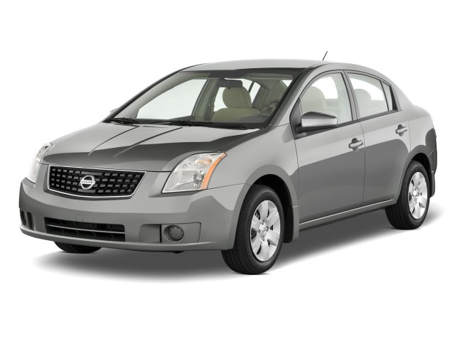 2008 Nissan Sentra 4-door Sedan CVT 2.0 Angular Front Exterior View