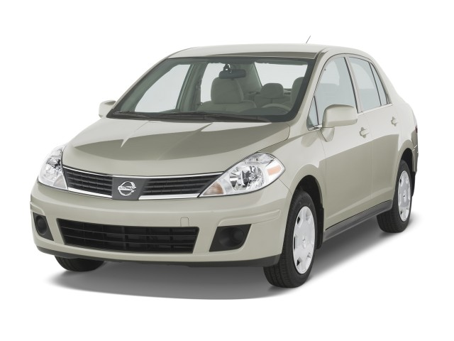 2008 Nissan Versa 4-door Sedan Auto S Angular Front Exterior View