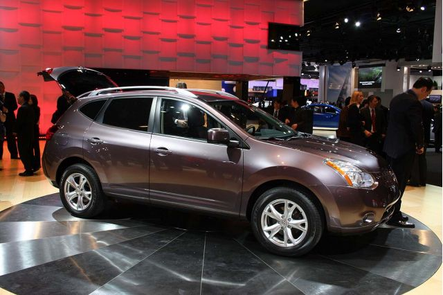 Nissan Crosses Over with Rogue, Bevel