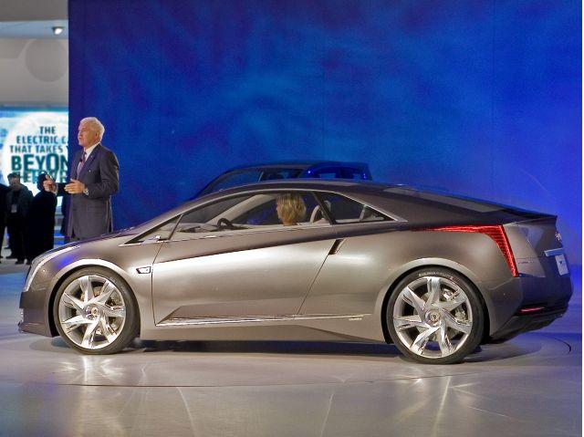 GM vice chairman Bob Lutz introduces a Volt-powered Cadillac Converj concept.