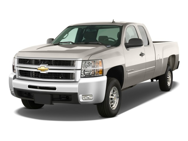 "2009 Chevrolet Silverado 2500HD 2WD Ext Cab 157.5"" LT Angular Front Exterior View"