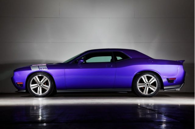 Dodge Challenger Remake >> 2009 Dodge Challenger Chrysler S Retro Remake